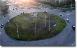 Abkürzung im Kreisverkehr