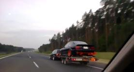 auto anhänger, kurva