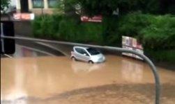 Auto Hochwasser Idiot