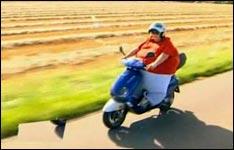 dick auf dem moped