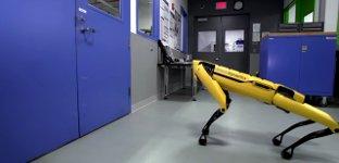 Boston Dynamics Tür öffnen