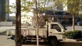 Bulldozer Fight China Radlader
