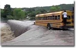 Nicaragua, Bus, Brücke, Flut, Hochwasser