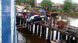 Auto Fähre verladen Planken Brasilien