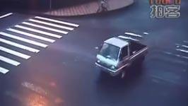 Verrückter Motorradunfall