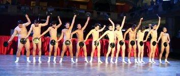 Nackte Männer Studenten Bühnenshow