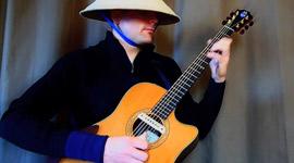Ewan Dobson, Gitarre
