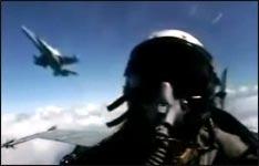 F18, Rundflug