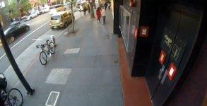 Fahrraddiebstahl in aller Öffentlichkeit