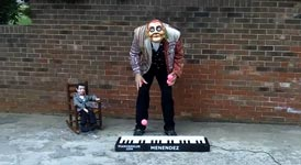 Worlds Fastest Piano Juggler
