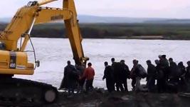 Flussüberquerung in Sibirien