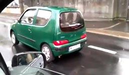 Frau, Reifen blockiert