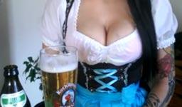 Frau Bier jodeln