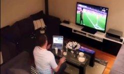 Türkischer Fußballfan von Freundin verarscht