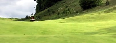 Golfmobil Stunt