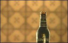 Guinness Bier, Freunde, Bier trinken, Biershop