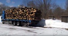 Holz abladen