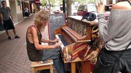 Obdachloser Piano Klavier