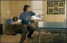 Tierischer Tischtennis-Spieler