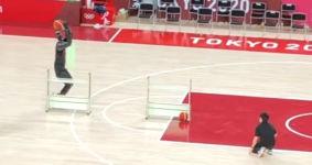 Japanischer Basketball-Roboter