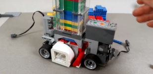 LEGO Domino Machine