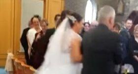 Hochzeit Einmarsch Junge Kleid