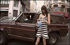 Nackte Frauen auf der Straße, Musikvideo, Schwarze Balken, Karaoke, Busen