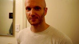 Mann Haare Rücken Brust rasieren