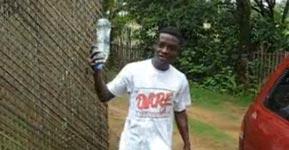 Menschlicher Wasserspender