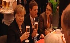 Angela Merkel, Kanzlerin, Bier, Kellner