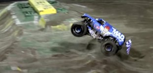 Monstertruck Frontflip