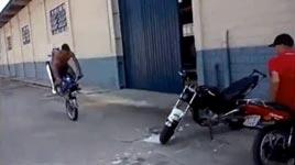 Motorrad einparken