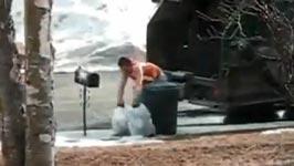 Müllabfuhr, Müllwerker, Mülltonne, Briefkasten