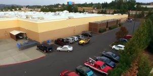 Jeep-Fahrer Parkplatz klauen