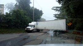 Truck, Brücke, Fail