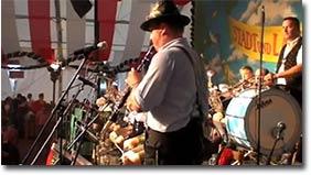 Traumberuf Oktoberfestzelt Drummer