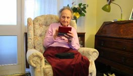Oma, 100, Nintendo DS, Gehirn