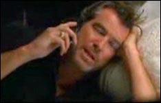 Pierce Brosnan, küssen, verarschung
