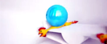 Gummi-Huhn + Bowlingkugel = Jurassic Park