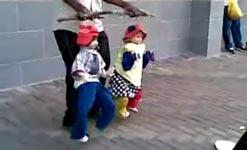 Zimbabwe, Straßenkünstler, Puppen