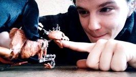 Raptor-Puppe