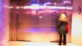 Foot Elevator, Rémi Gaillard, Fahrstuhl