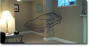 Schwebender DeLorean im Keller