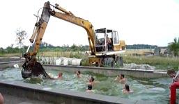Spaßbad in Ungarn, Bagger