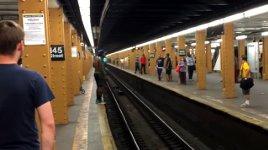 Subway Long Jump U-Bahn Sprung Gleis