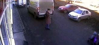 Gefährlich Telefonieren hinter Kleintransportern