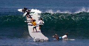 The Dock - Laufsteg für Surfer