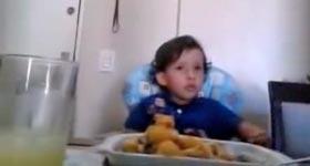 Kind, Tiere essen