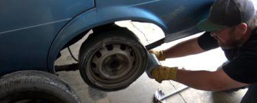 Reifen aus Klebeband