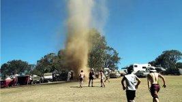 Tornado Australien tanzen